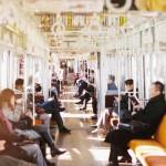 満員電車でストレスがかかる理由や解消法。貧血や酸欠になる原因や回避するための対処法を考える。
