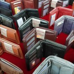 【男性・彼氏】大学の入学祝いや卒業祝いに贈りたい財布・革小物のおすすめプレゼント一覧。