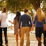 大学で友達が出来ないと不安。人見知りでも友達を作る方法とコツについて。