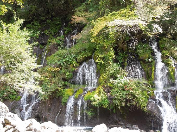 秋の紅葉デート土竜の滝2