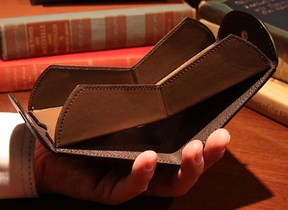 カルトラーレ2つ折り財布1