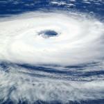 台風の時のデートはどうする?中止(キャンセル・延期)するのが無難。