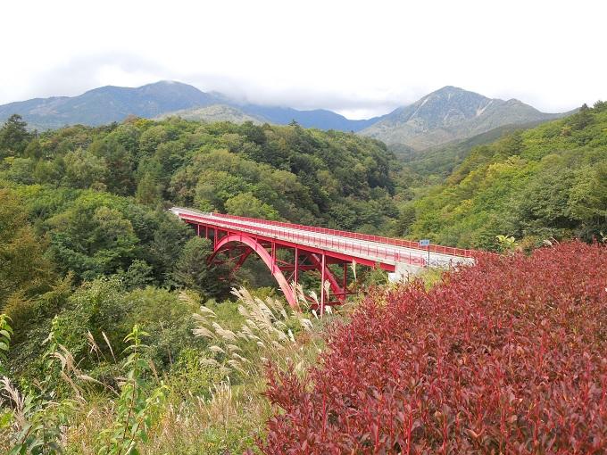 秋の紅葉デート土竜の滝3