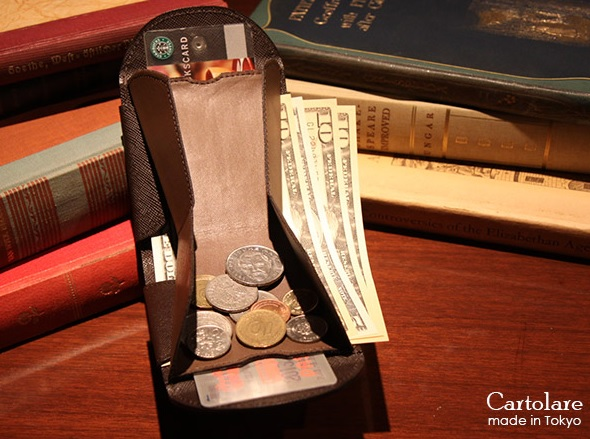 カルトラーレ2つ折り財布2