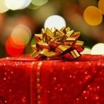 クリスマスデートで付き合ってない人にプレゼントを渡すのはアリか?